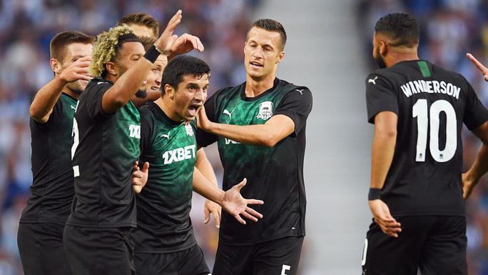Chân sút 19 tuổi bắn hạ cựu vô địch, Champions League sốc nặng - Ảnh 4.