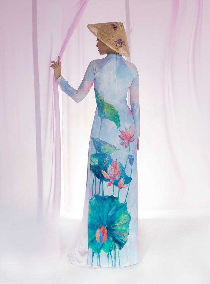 Đỗ Mỹ Linh tuyệt sắc trong áo dài hoa sen lễ Vu Lan - Ảnh 6.