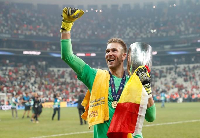 Kép phụ Adrian tỏa sáng, Liverpool đoạt Siêu cúp châu Âu - Ảnh 13.