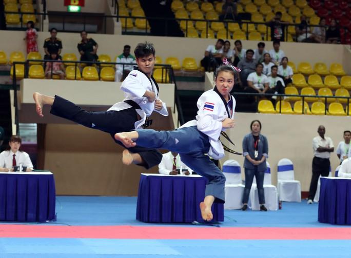 Châu Tuyết Vân cùng đồng đội bay như chim tại giải Vô địch Taekwondo châu Á mở rộng 2019 - Ảnh 5.
