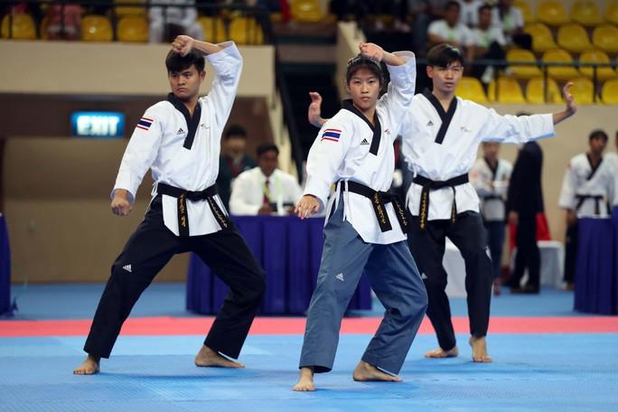Châu Tuyết Vân cùng đồng đội bay như chim tại giải Vô địch Taekwondo châu Á mở rộng 2019 - Ảnh 1.