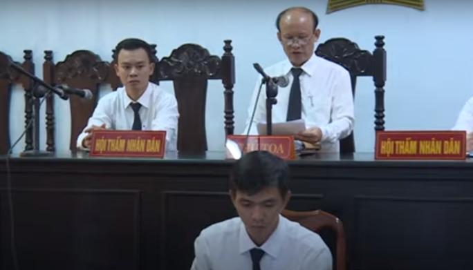 TAND tỉnh Đắk Lắk nói gì việc thẩm phán từng bị tố mua dâm ngồi xử án hiếp dâm? - Ảnh 1.
