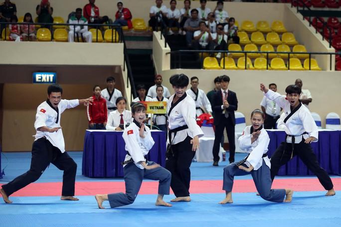 Châu Tuyết Vân cùng đồng đội bay như chim tại giải Vô địch Taekwondo châu Á mở rộng 2019 - Ảnh 3.