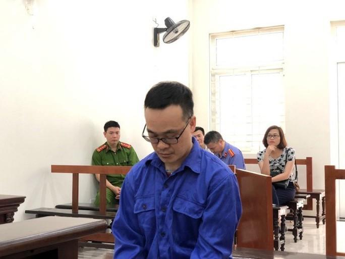 Phó khoa làm bệnh án tâm thần cho tội phạm với giá 85 triệu đồng được giảm án 2 năm tù - Ảnh 1.