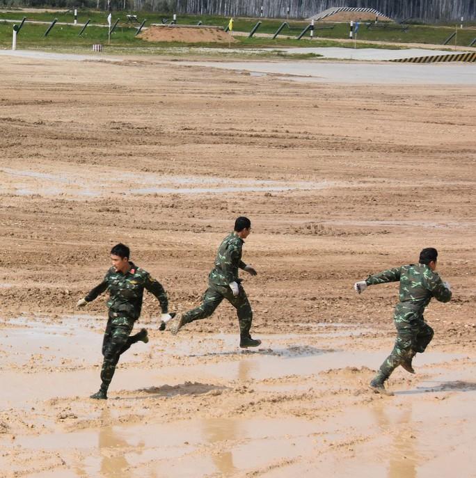 Sức mạnh nào giúp đội tuyển xe tăng Việt Nam đoạt giải nhì Army Games 2019? - Ảnh 10.