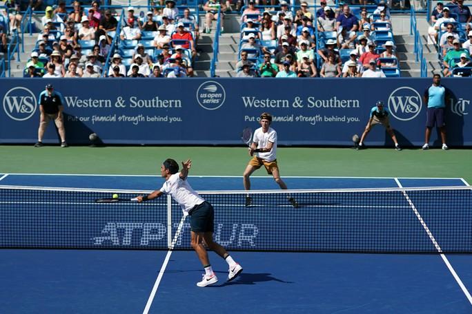 Federer thi đấu tệ, sớm bị loại ở Cincinnati Open 2019 - Ảnh 1.