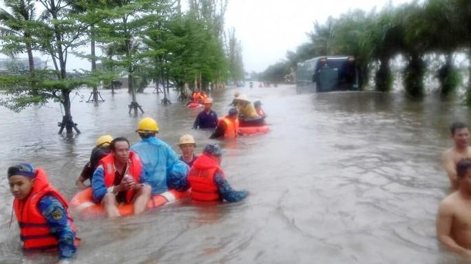 Phòng chống bão lũ bằng chính việc bảo vệ môi trường - Ảnh 2.