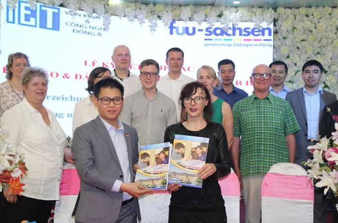 CHLB Đức công nhận bằng đại học điều dưỡng của Việt Nam - Ảnh 1.
