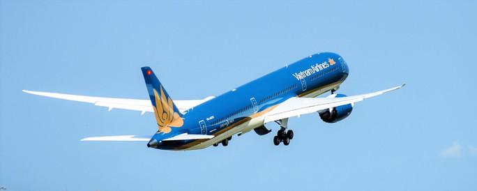 Cận cảnh siêu máy bay Boeing 787-10 lớn nhất Việt Nam đáp xuống Nội Bài - Ảnh 10.