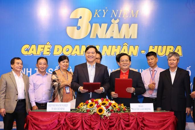 Báo Người Lao Động hợp tác toàn diện với Hiệp hội Doanh nghiệp TP HCM - Ảnh 1.