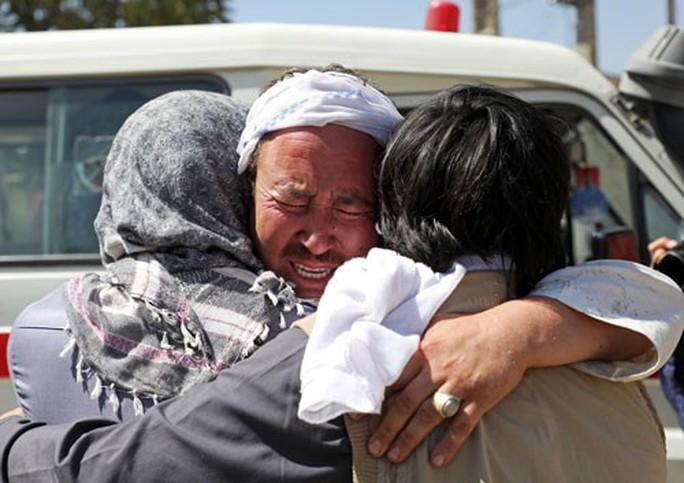 Đàm phán Mỹ - Taliban đối mặt hoài nghi, chỉ trích - Ảnh 1.