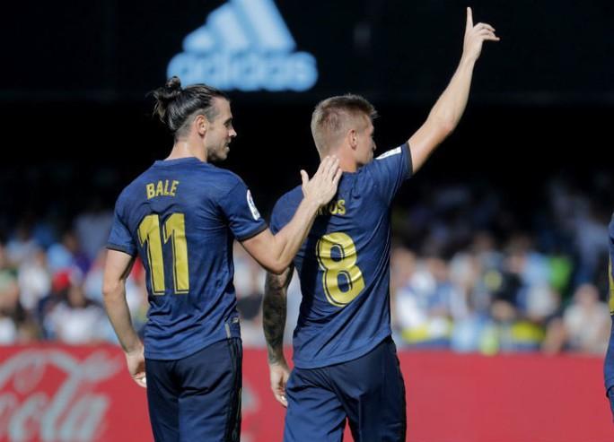 Gareth Bale đòi lại danh dự, Real Madrid vượt lên ngôi đầu La Liga - Ảnh 5.