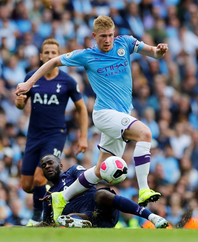 VAR cứu Tottenham, Man City ôm hận đại chiến  - Ảnh 9.