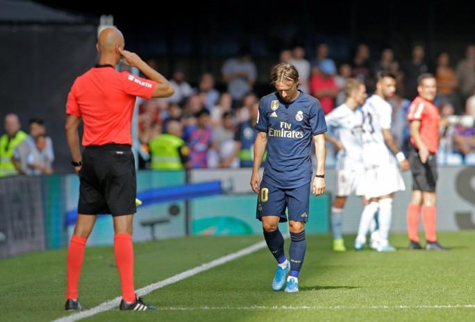 Gareth Bale đòi lại danh dự, Real Madrid vượt lên ngôi đầu La Liga - Ảnh 4.