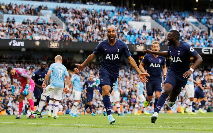 VAR cứu Tottenham, Man City ôm hận đại chiến  - Ảnh 10.