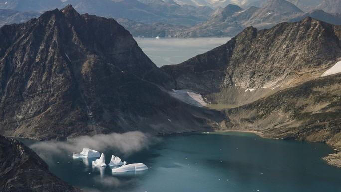 Ông Donald Trump bị chế nhạo vì ý muốn mua đảo Greenland của Đan Mạch - Ảnh 1.
