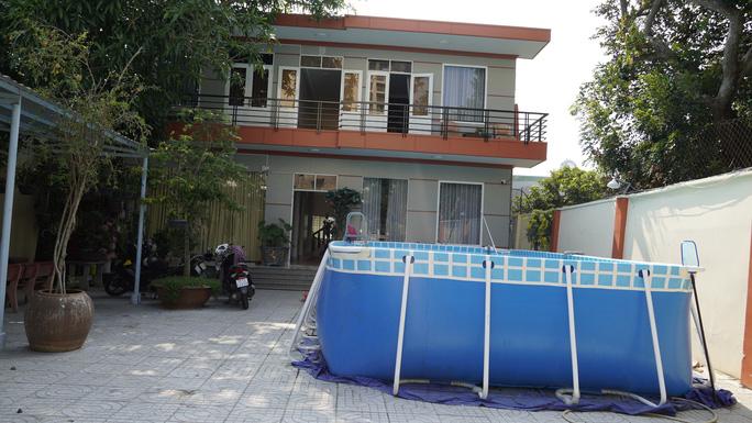Vũng Tàu kiểm tra villa bị khách tố 10 triệu đồng/đêm nhưng giống phòng trọ - Ảnh 5.