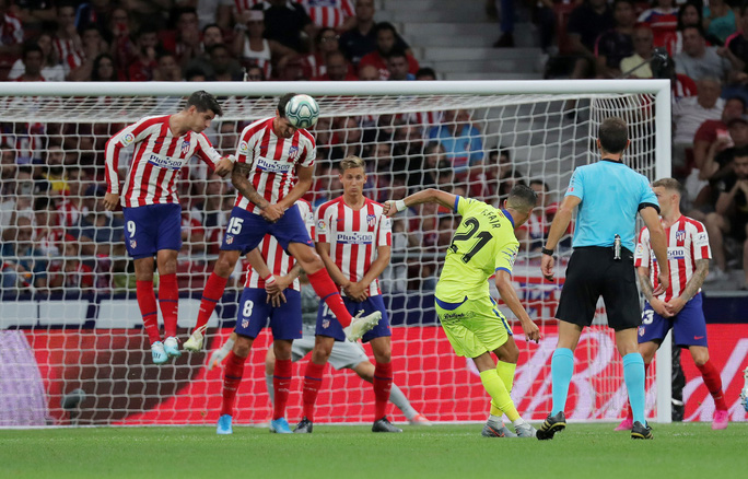 Đua tốc độ kinh hoàng, sao trẻ Atletico Madrid gây sốc La Liga - Ảnh 8.