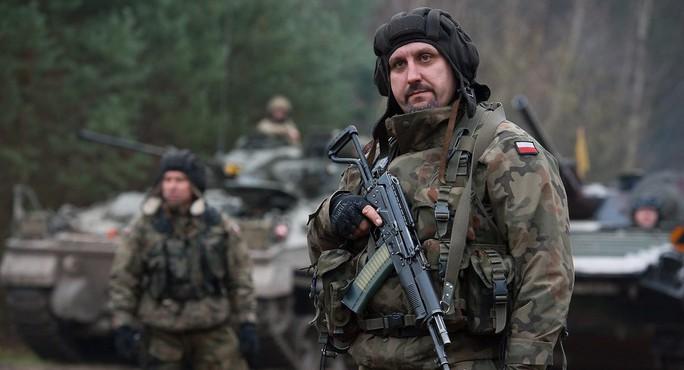 Báo Đức: Đông Âu rầm rộ vũ trang vì... sợ Nga - Ảnh 1.