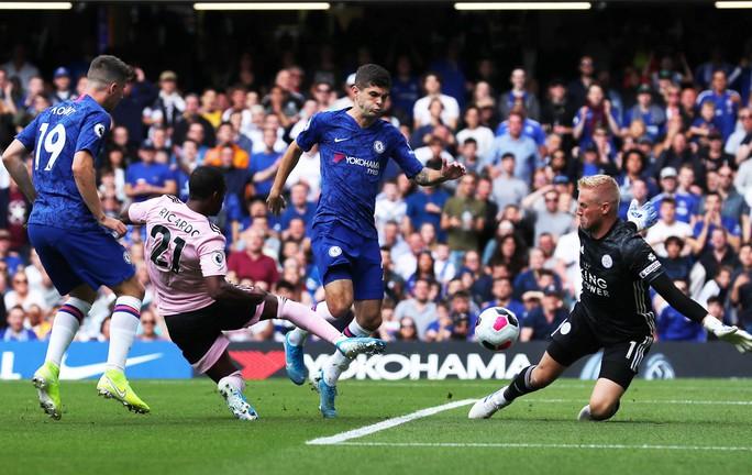 Chelsea hòa thót tim, tội đồ Leicester hóa người hùng Stamford Bridge - Ảnh 1.