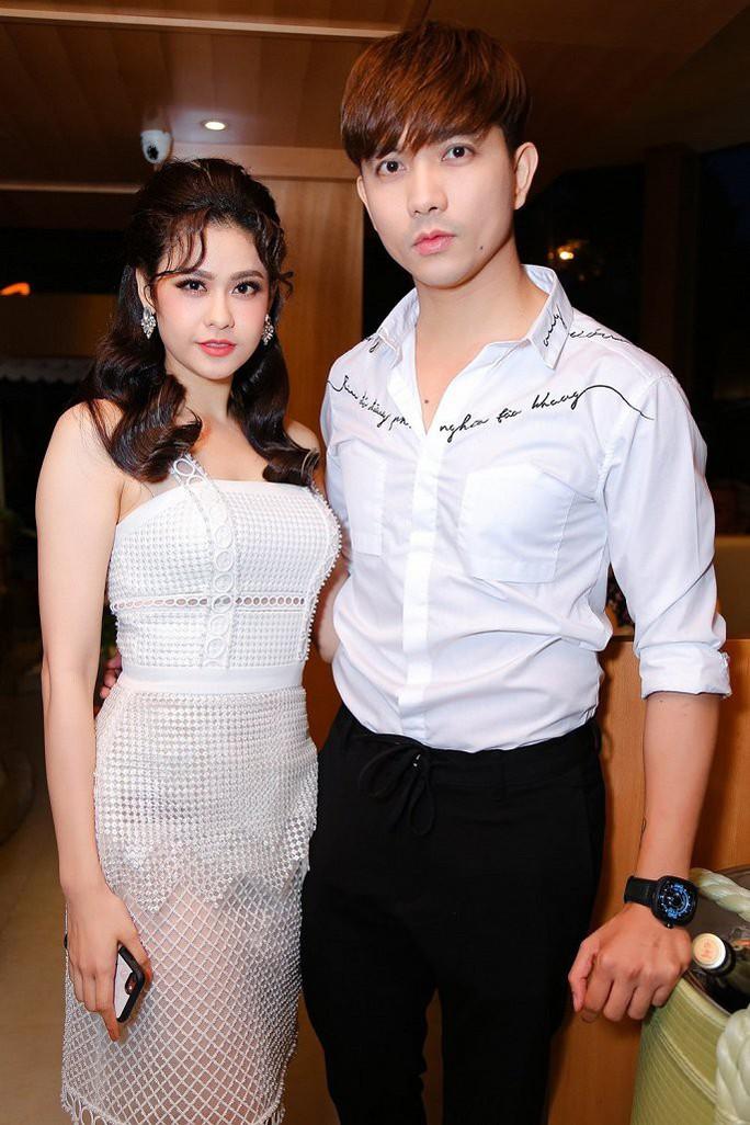 Clip: Trương Quỳnh Anh không thoải mái khi gặp Tim - Ảnh 1.