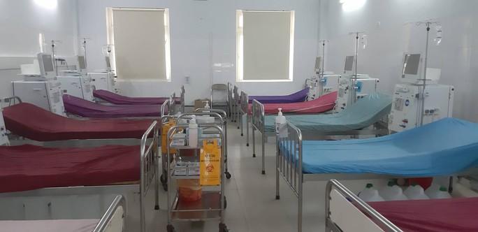 Clip: Trống trơn nơi chạy thận Bệnh viện đa khoa Nghệ An sau sự cố y khoa - Ảnh 2.