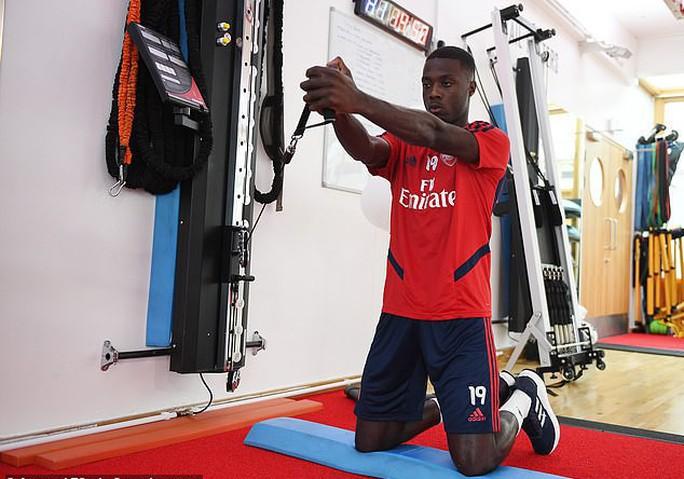 Đàm phán siêu đỉnh, Arsenal sắm sao Pepe chỉ với 20 triệu bảng - Ảnh 2.