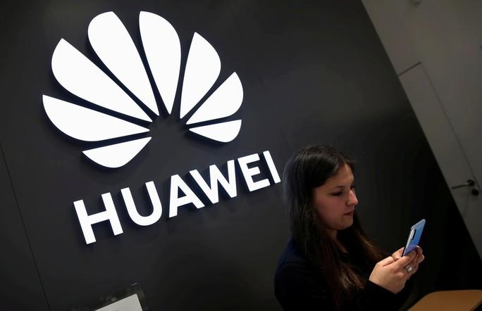 Huawei sắp sử dụng hệ điều hành Nga - Ảnh 1.