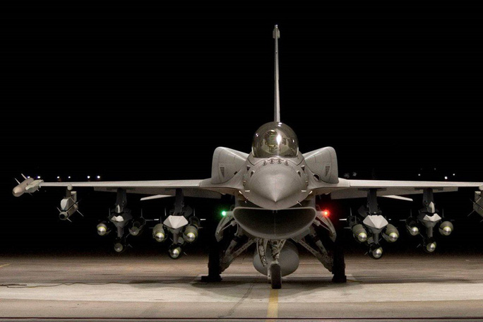 Trung Quốc đe Mỹ sẽ lãnh hậu quả nếu bán F-16 cho Đài Loan - Ảnh 1.