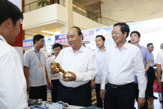 Thủ tướng Nguyễn Xuân Phúc: Miền Trung cần tìm ra căn bệnh để tháo gỡ - Ảnh 3.