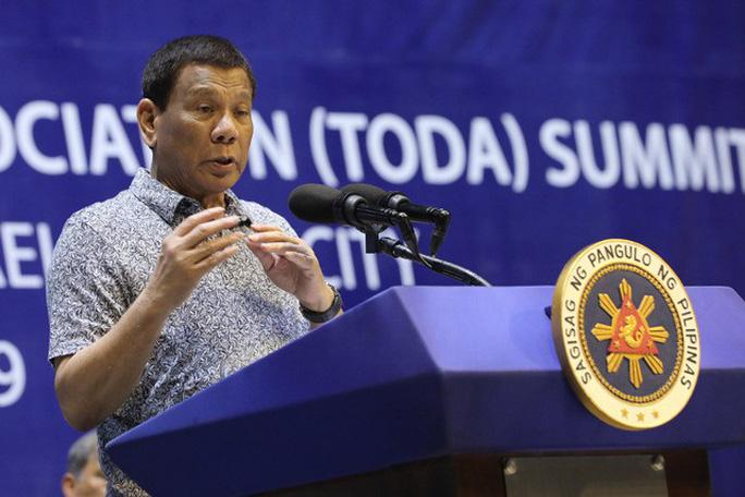 Ông Duterte: Tàu nước ngoài muốn đi qua lãnh hải Philippines phải xin phép - Ảnh 1.