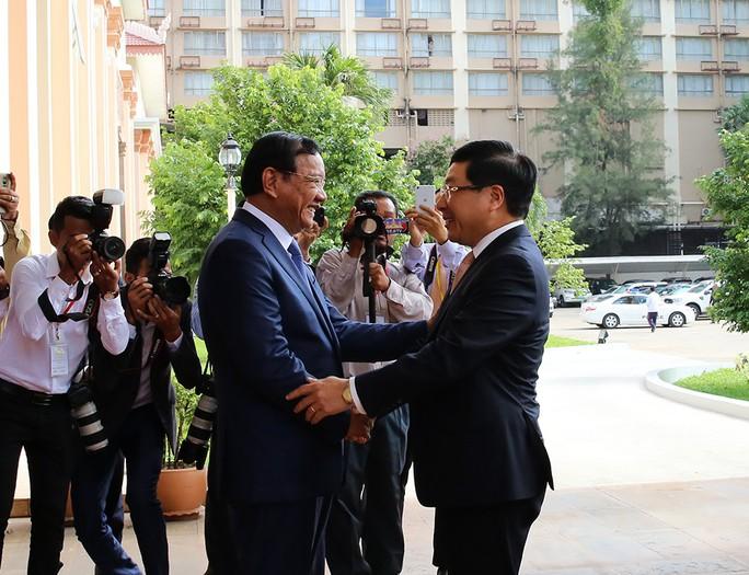 Việt Nam-Campuchia ký biên bản thỏa thuận hợp tác trong 28 lĩnh vực - Ảnh 1.