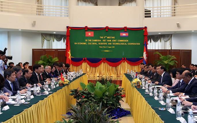 Việt Nam-Campuchia ký biên bản thỏa thuận hợp tác trong 28 lĩnh vực - Ảnh 3.