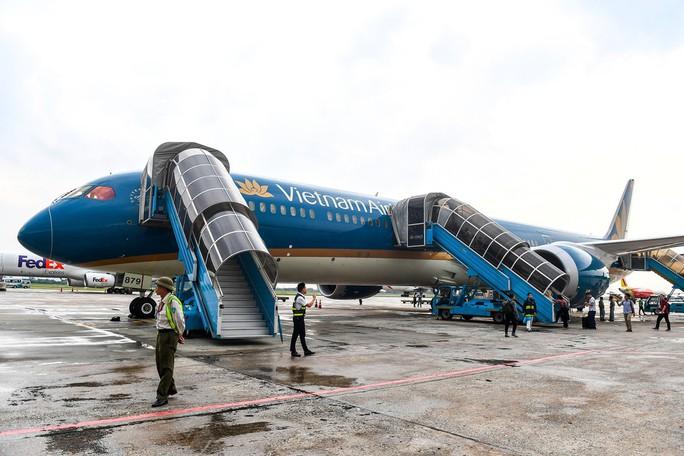 Chuyến bay thương mại đầu tiên của siêu máy bay lớn nhất Việt Nam có gì lạ? - Ảnh 3.