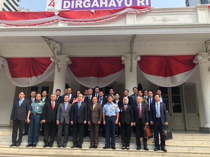 Bí thư Nguyễn Thiện Nhân thăm và làm việc gần như không ngơi nghỉ ở Indonesia - Ảnh 6.