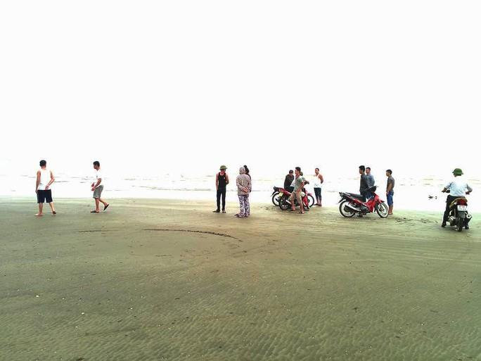 Sau khi gây tai nạn, tài xế taxi chở bé gái ra bãi biển vắng để giở trò đồi bại - Ảnh 1.