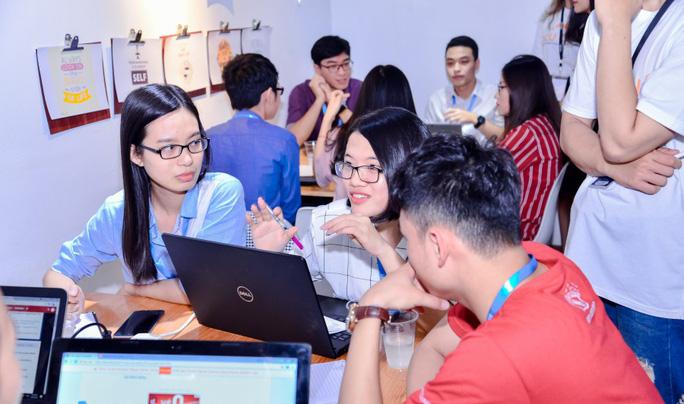 Cơ hội kết nối với nhà tuyển dụng của hàng ngàn sinh viên ở Hà Nội - Ảnh 1.