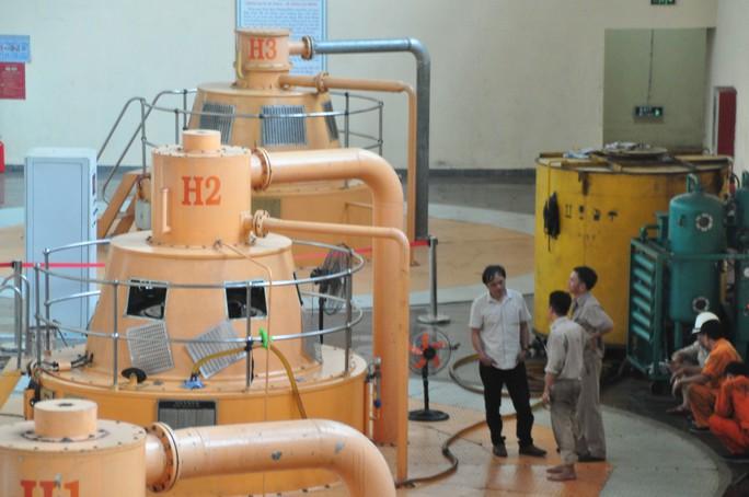 Thủy điện nguy cơ đóng cửa vì kiệt nước - Ảnh 2.