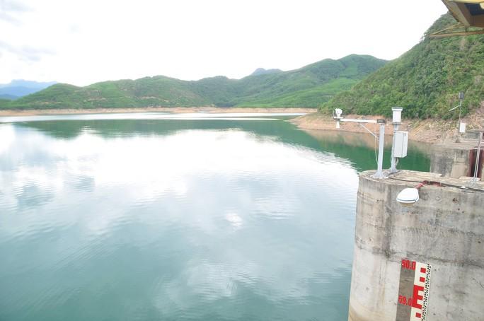 Thủy điện nguy cơ đóng cửa vì kiệt nước - Ảnh 1.