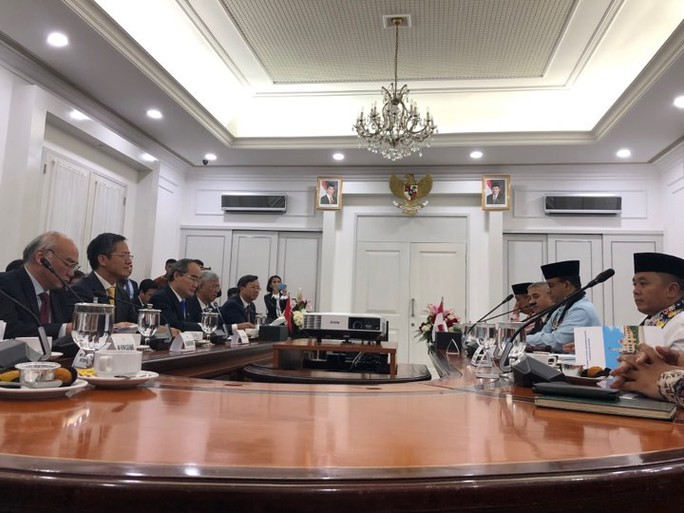Bí thư Nguyễn Thiện Nhân đề xuất kết nối hàng không, hàng hải  Việt Nam - Indonesia - Ảnh 4.