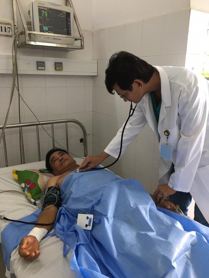 Bệnh viện ở Cần Thơ cứu bệnh nhân người Singapore thoát chết trong gang tấc - Ảnh 1.
