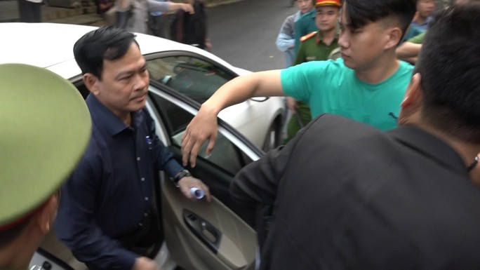 Chối  bỏ hành vi, ông Nguyễn Hữu Linh vẫn bị phạt 18 tháng tù giam - Ảnh 1.