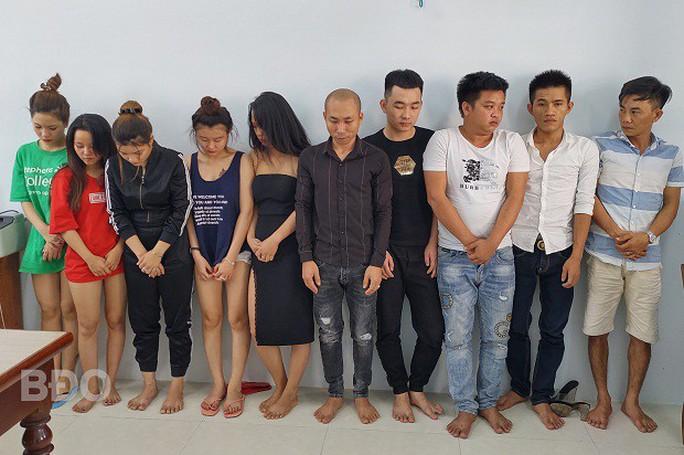 Hàng chục nam, nữ thanh niên đang phê ma túy trong khách sạn ở Quy Nhơn - Ảnh 1.