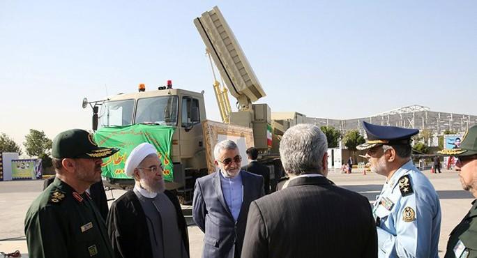 Iran khoe hệ thống tên lửa mạnh hơn S-300 - Ảnh 2.