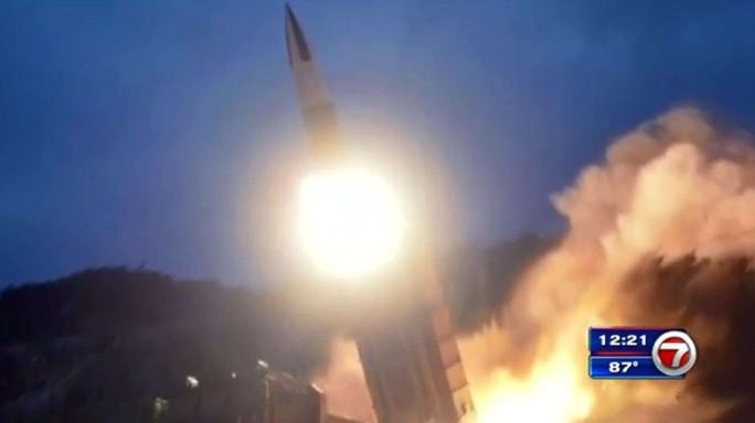 """Triều Tiên lại phóng """"tên lửa"""" - Ảnh 1."""