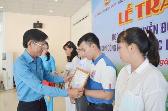 Bà Rịa - Vũng Tàu: Trao học bổng cho con CNVC-LĐ nghèo - Ảnh 1.