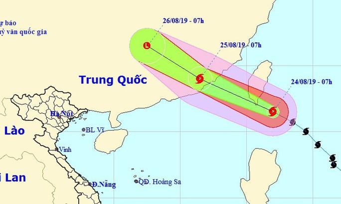 Bão Bailu áp sát Biển Đông, các tỉnh Hà Tĩnh-Quảng Trị mưa lớn - Ảnh 1.