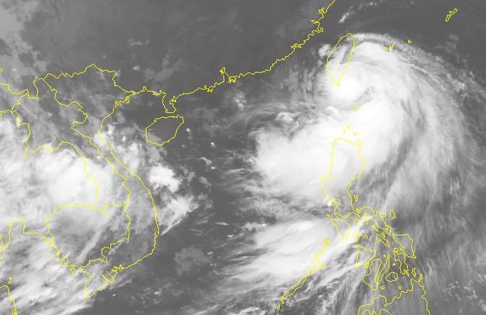Bão Bailu áp sát Biển Đông, các tỉnh Hà Tĩnh-Quảng Trị mưa lớn - Ảnh 2.