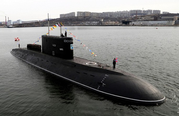 Tàu ngầm Nga phóng tên lửa đạn đạo - Ảnh 1.