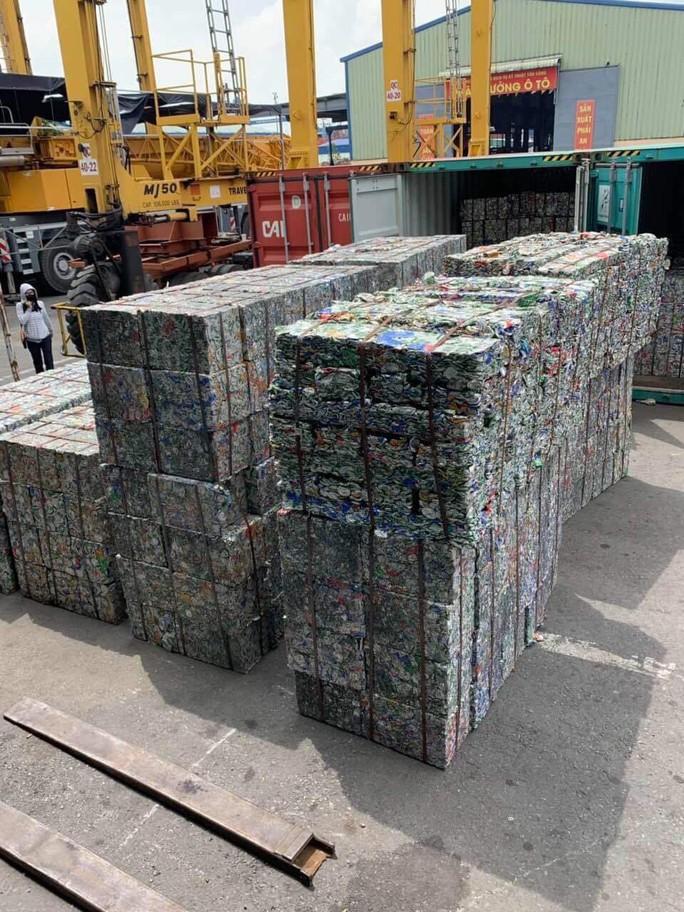 """""""Hô biến"""" 5 container phế liệu thành gốm đất nung - Ảnh 2."""